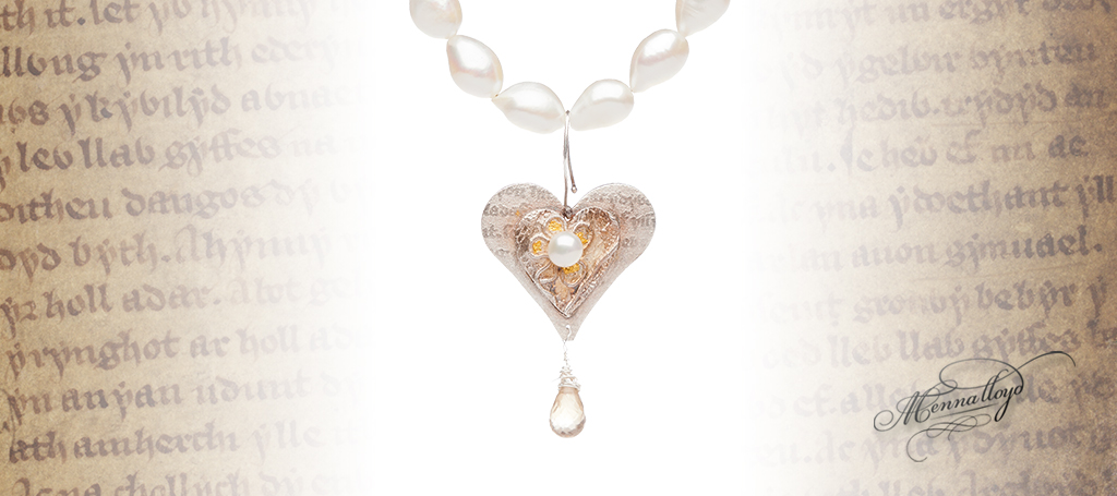 Mabinogi Pearl Statement Necklace